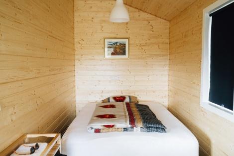bed-bedroom-large